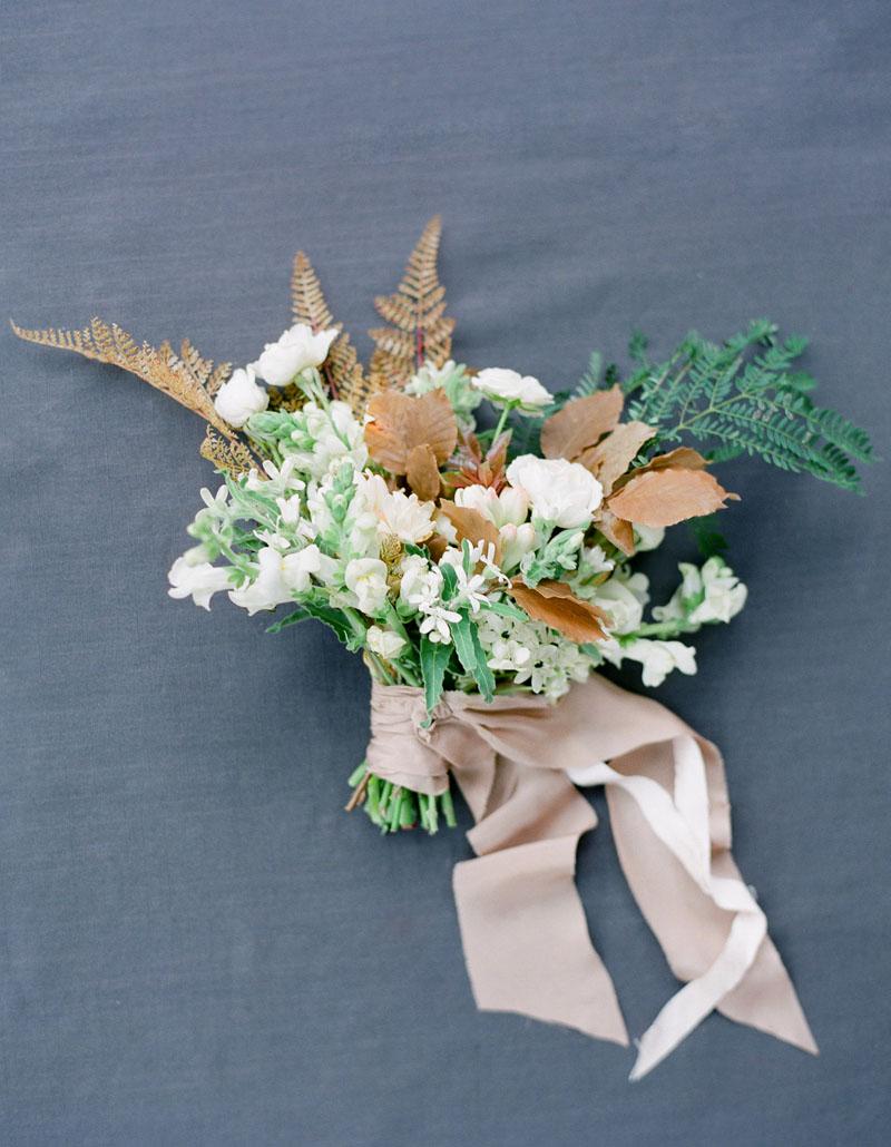 white-gold-wedding-bouquet-ideas