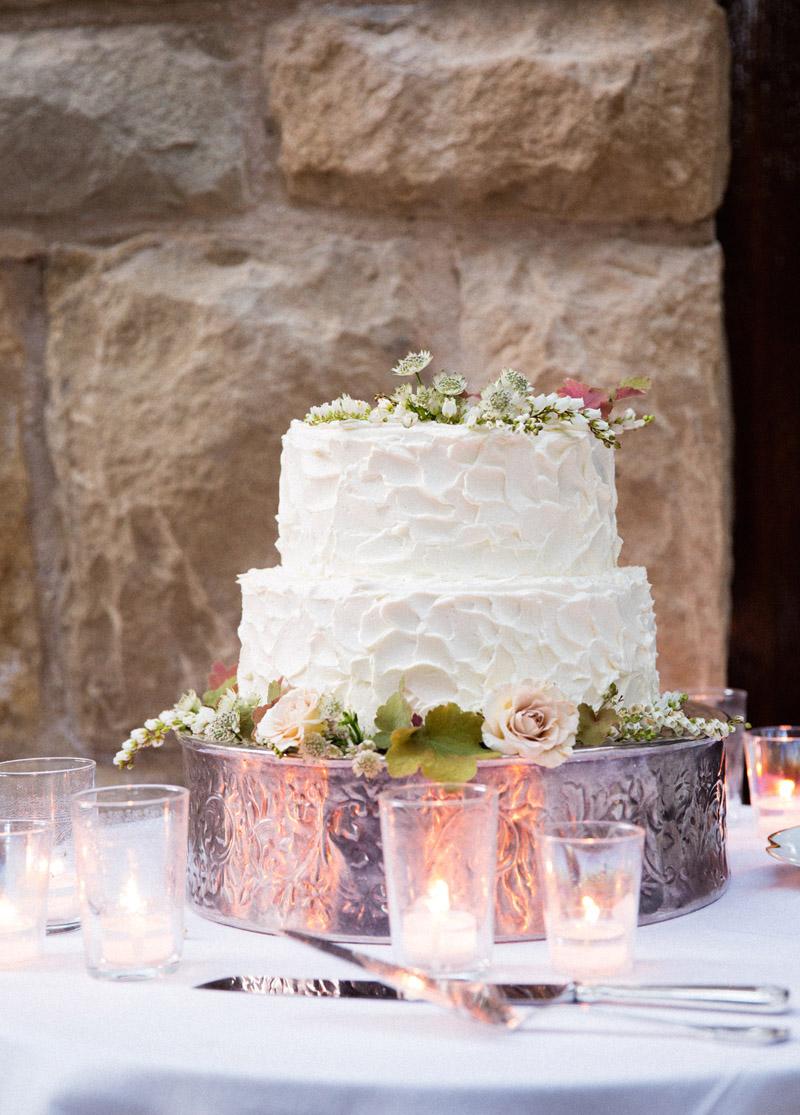 simple-wedding-cake-san-ysidro-ranch
