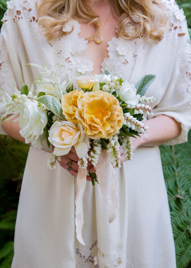 soft-yellow-bouquet