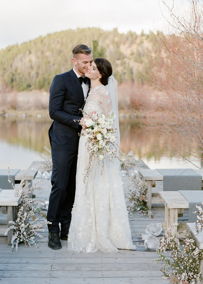 Winter Wedding Ideas by Sarah Winward for Laurie Arons wedding planner masterclass. Photo: Jose Villa